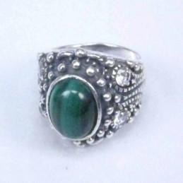 Ring 4 cz stone 8x10mm....