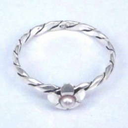 Ring with Flower crystal...