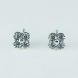 Earring Flower 4,pc   6mm....