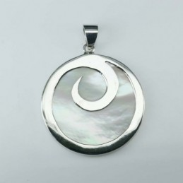 Pendant Round 29mm. Mother...