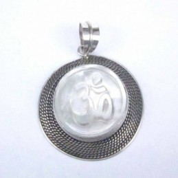 Pendant Leaf 22x37mm.Mother...